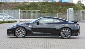 nissan gtr zero to 60 2013 nissan gt r top 10 4 seater sports cars with most interior