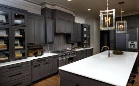 type of paint for cabinets what type paint to use on kitchen cabinets 2 paint cabinets paint