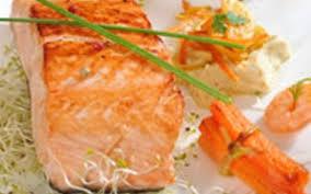 cuisine pavé de saumon recette saumon en papillote pas chère et simple cuisine étudiant