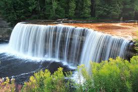 Michigan waterfalls images Tahquamenon falls wikipedia jpg