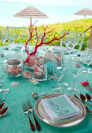 island themed wedding inspired table setting i don t like the but i d do