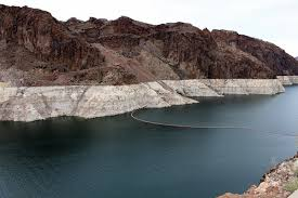 Bathtub Ring Lake Mead Watch Six Inches From The Level That Triggers Cutbacks