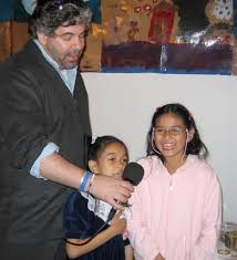 passover seder for children file avrum rosensweig with children at community passover seder at