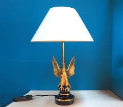 lampe de bureau professionnel lampe de bureau aigle plaqué or ving quatre carat par deknudt en