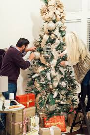 how to decorate the perfect christmas tree the everyday hostess