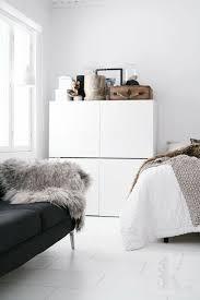 meubles de chambre à coucher ikea meuble besta ikea un système de rangement modulable scandinavian