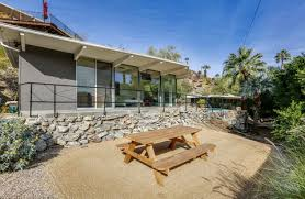 zsa zsa gabor palm springs house zsa zsa gabor s house is for sale palm springs celebrity home for sale