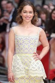 Emilia Clarke Bathtub What Did Game Of Thrones Directors Do To Emilia Clarke To Help Her