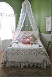 Girls Canopy Over Bed by Beautiful Girls Room Cool Curtains Over Bed Antique Quilt