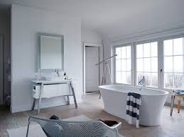Cape Cod Bathroom Ideas Designed By Philippe Starck Cape Cod Removes The Barrier Between