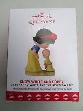 2017 hallmark precious moments snow white and dopey ornament b46