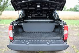 nissan navara 2017 white nissan np300 navara 2 3dci 190ps double cab pick up trek 1 4wd