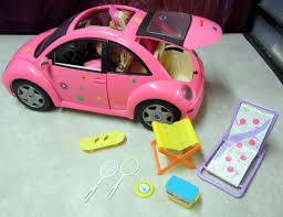 barbie volkswagen mattel barbie pink vw volkswagen beetle bug car w 2 barbies beach
