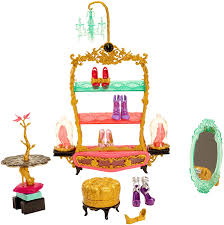 Ever After High Dolls Where To Buy Amazon Com Ever After High Book End Hangout Glass Slipper Shop