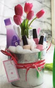 mothers day gift basket ideas creative diy mothers day gift baskets ideas to make at home make