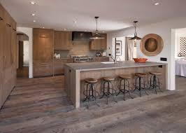 cuisine chaleureuse contemporaine design interieur modele cuisine contemporaine blanche bois