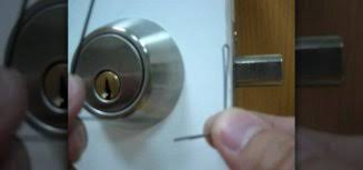 how to pick a bedroom door lock how to pick a deadbolt door lock with bobby pins quickly how to