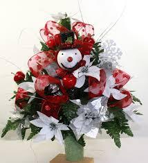 Graveside Flower Vases Beautiful Red Poinsettia U0027s Christmas Cemetery Flower Arrangement
