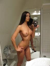 Porn Gallery  Busty Self Shot Latina Mirror Girl Layla Shows Off     AdultPicz