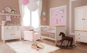 organisation chambre bébé aménager et préparer la chambre à coucher de bébé heros