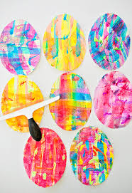 painted easter eggs hello wonderful squeegee paint easter egg