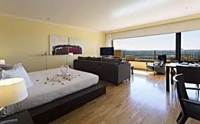 hotel avec service en chambre chambre avec privatif et vue sur l empordà la jonquera