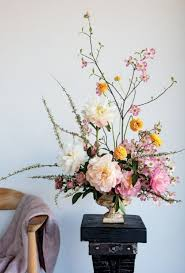 Spring Flower Arrangements Best 25 Spring Flowers Ideas On Pinterest Outdoor Flower Pots