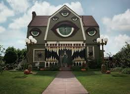 haunted house decorations this artist s creatively creepy haunted house will give you chills