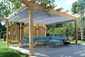 Pergola Roofing Ideas by Incredible Roofing Ideas For Pergolas With Large Wooden Poles And