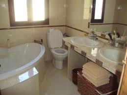 salle de bain chambre d hotes casa la cimada chambres et table d hôtes ronda location de