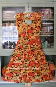 thanksgiving aprons in 1940 style with pumpkins www stitchthrutime