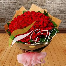100 Roses Send 100 Roses Bunch To Pakistan U2013 Giftstopakistan