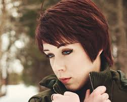 short haircut with ear showing 50 oustanding short bob hairstyles creativefan