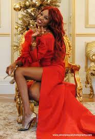 fashion lifestyle irene major lights up christmas tree at