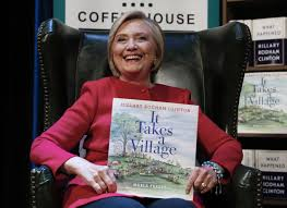 hillary clinton to receive first wonder woman award from the