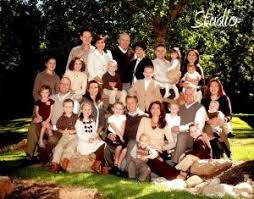 best 25 large family pictures what to wear ideas on