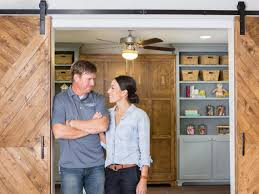 chip and joanna gaines contact fixer upper u0027s chip u0026 joanna create a stylish home on a tight