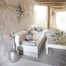 canapé salon marocain le canapé marocain du traditionnel au plus design