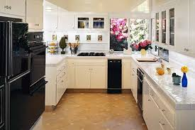 inexpensive kitchen ideas fascinating small kitchen decorating ideas on a budget 82 for your