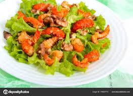 cuisine legere et dietetique salade épicée diététique légère laitue fruits mer langoustes