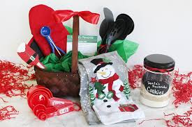 southern mom loves holiday hostess baking gift basket dark