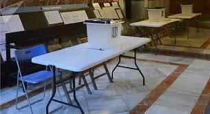 tenir un bureau de vote la catalogne assure pouvoir tenir un référendum malgré les