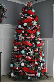 how to decorate tree with wide mesh ribbon