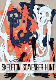 skeleton scavenger hunt hallowenn game toko satu dollar