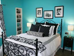 comfy small bedroom idea for teen girls with cool turquoise wall