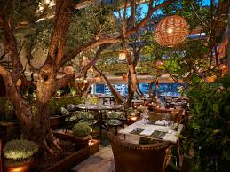 where oscar winner leonardo dicaprio shops eats and plays in la