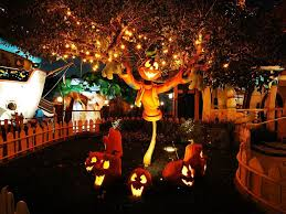 ideas of creepy cool outdoor halloween decorations