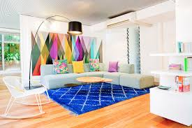 wallpaper for home interiors 23 stunning living rooms with geometric wallpapers home design lover