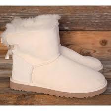 ugg bailey bow sale size 7 7 ugg shoes ugg mini bailey bow salt sheepskin boots us 9