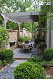 Backyard Ideas For Small Yards by Top 25 Best Small Brick Patio Ideas On Pinterest Small Patio